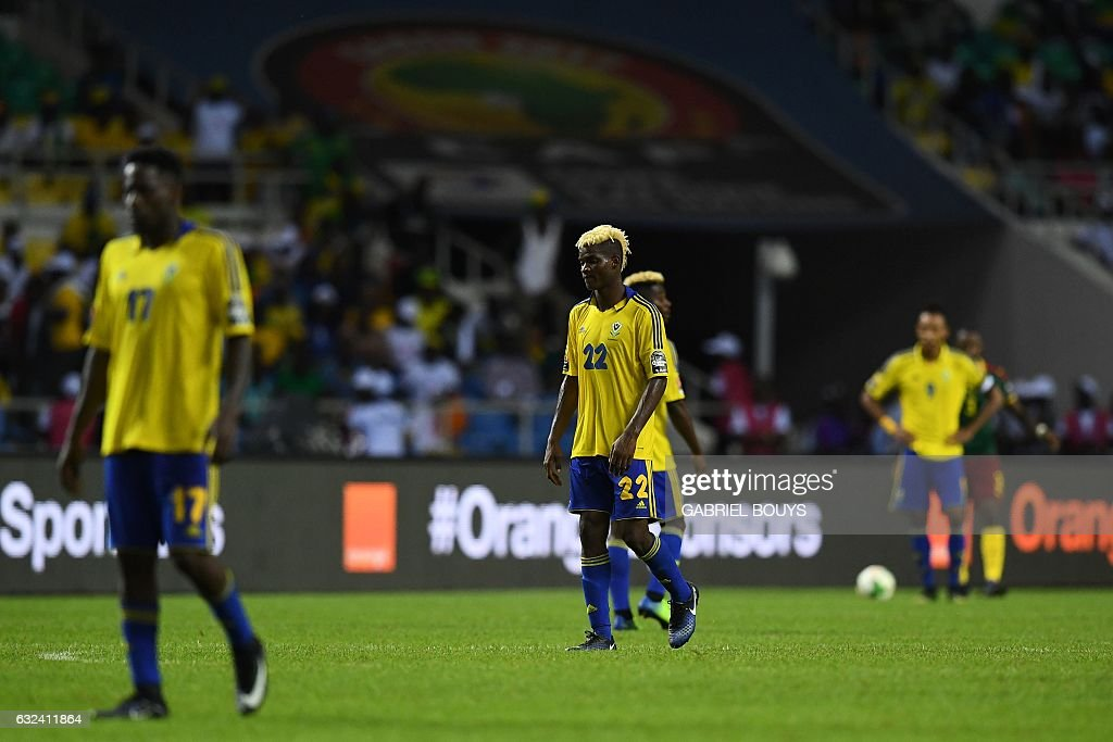 Gabon's players react during the 2017 Africa Cup of Nations group A football match between Cameroon and Gabon at the Stade de l'Amitie Sino-Gabonaise in Libreville on January 22, 2017. / AFP / GABRIEL