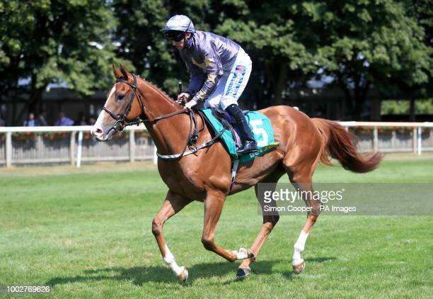 Gabrial The Saint ridden by Paul Hanagan goes to post