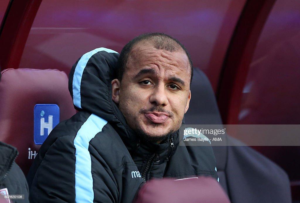Aston Villa v Manchester City - The Emirates FA Cup Fourth Round : News Photo
