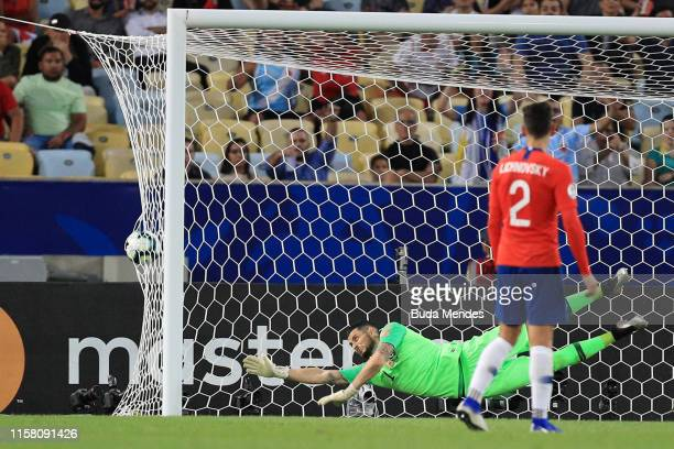 Gabriel Arias goalkeeper of Chile fails to save the first goal of Uruguay scored by Edinson Cavani during the Copa America Brazil 2019 group C match...