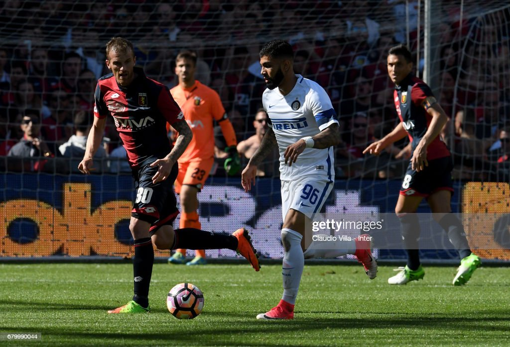 Gabriel Barbosa Almeida of FC Internazionale in action during the Serie A match between Genoa CFC and FC Internazionale at Stadio Luigi Ferraris on May 7, 2017 in Genoa, Italy.