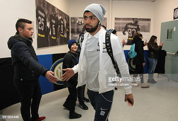 Gabriel Barbosa of FC Internazionale arrives prior to the TIM Cup match between FC Internazionale and Bologna FC at Stadio Giuseppe Meazza on January...