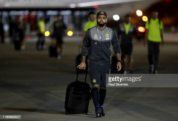Gabriel Barbosa of Flamengo arrives to Grupo Aereo 8 Terminal on November 20 2019 in Lima Peru River Plate and Flamengo will play the final match of...
