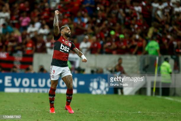 Gabriel Barbosa of Flamengo celebrates after scoring the second goal of his team during a match between Flamengo and Barcelona as part of Copa...