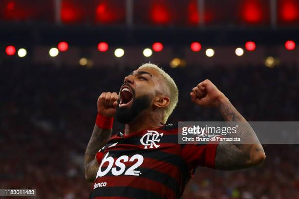 Gabriel Barbosa of Flamengo celebrates scoring his side's second goal during the Copa CONMEBOL Libertadores 2019 Semi-Final 2 match between Flamengo...