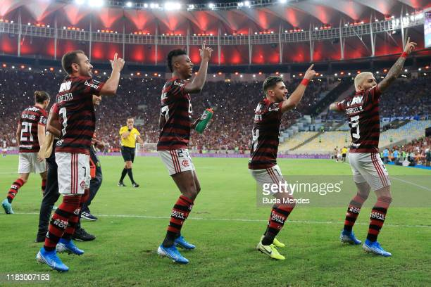 Gabriel Barbosa of Flamengo celebrates with teammates after scoring during a second leg semifinal match between Flamengo and Gremio as part of Copa...