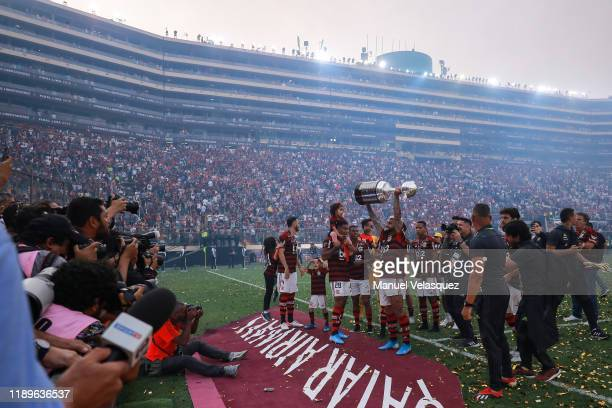 Gabriel Barbosa of Flamengo celebrates with the trophy after winning the final match of Copa CONMEBOL Libertadores 2019 between Flamengo and River...