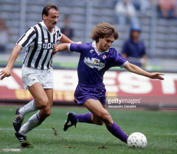 Gabriel Batistuta of ACF Fiorentina competes for the ball with Jurgen Kohler of Juventus during the Serie A match between ACF Fiorentina and Juventus...