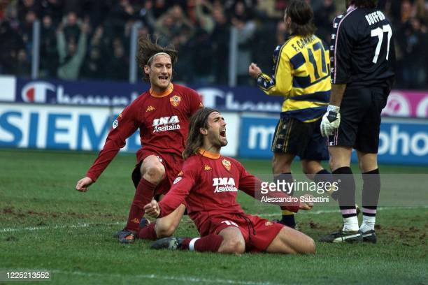 Gabriel Batistuta of AS Roma celebrates after scoring the goal with teammate Francesco Totti during the Serie A match between Parma Calcio and AS...