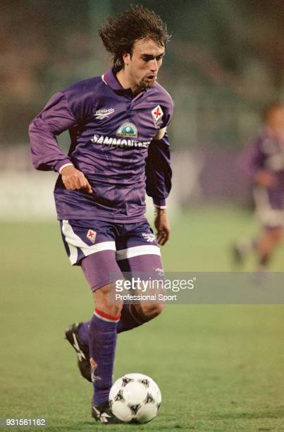 Gabriel Batistuta of Fiorentina in action during the Serie A match between Fiorentina and Parma at Stadio delle Alpi on February 11 1994 in Florence...
