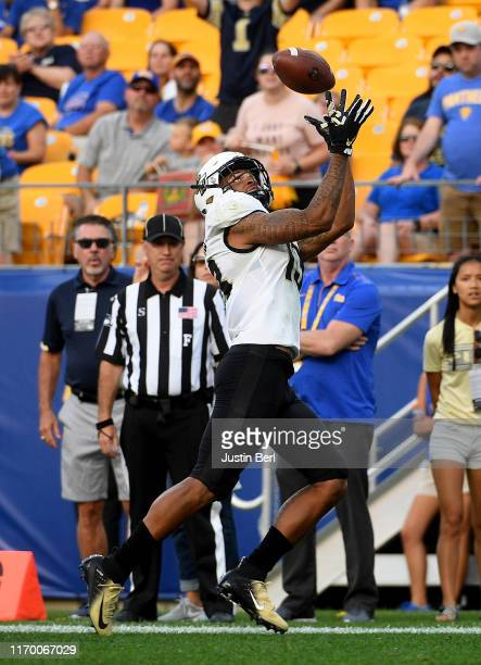 Gabriel Davis of the UCF Knights makes a catch for a 28yard touchdown reception in the third quarter during the game against the Pittsburgh Panthers...