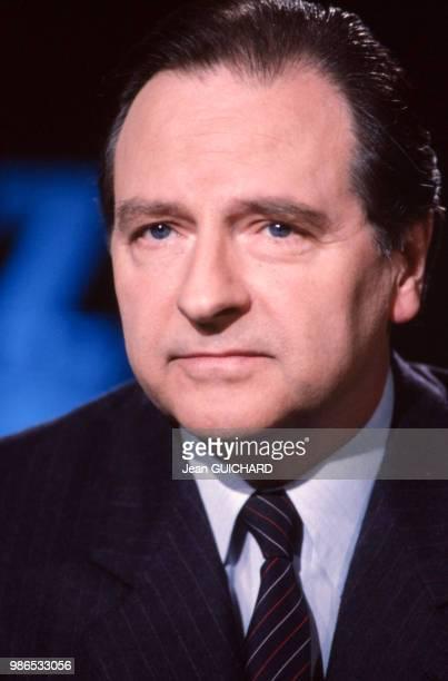 Gabriel de Broglie membre de la CNCL invité de l'émission '7 sur 7' en décembre 1986 à Paris France
