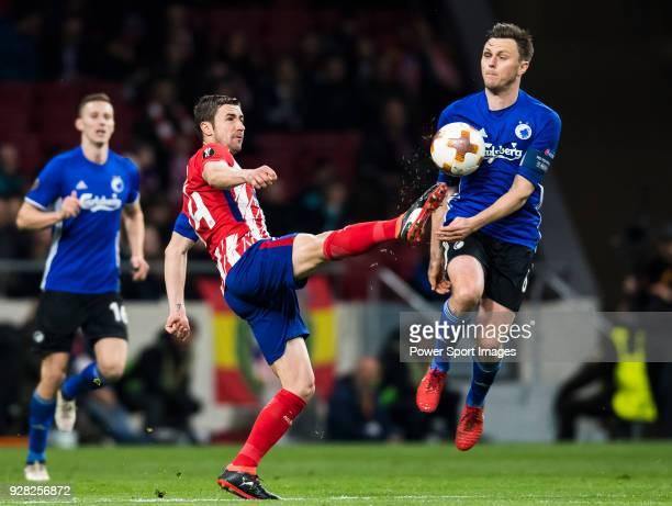 Gabriel Fernandez Arenas Gabi of Atletico de Madrid battles for the ball with Pierre Bengtsson of FC Copenhague during the UEFA Europa League 201718...