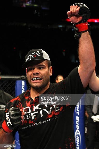 Gabriel Gonzaga def Chris Tuchscherer TKO 227 round 1 at the Rose Garden on August 29 2009 in Portland Oregon