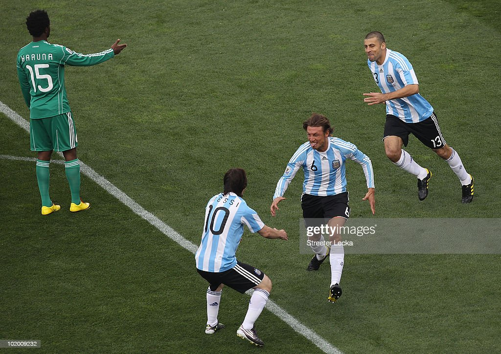 Argentina v Nigeria: Group B - 2010 FIFA World Cup : News Photo