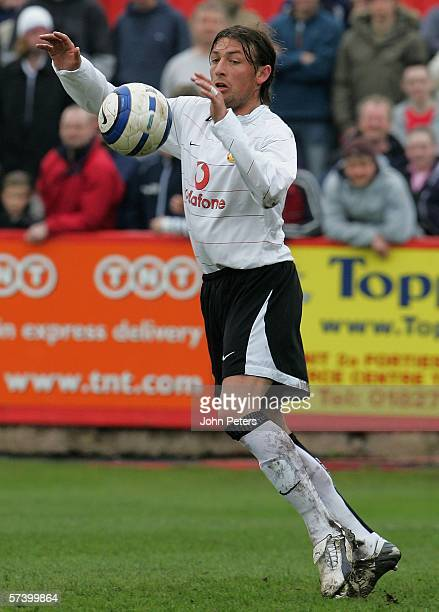 Gabriel Heinze of Manchester United in action on his comeback from injury during the Barclays Premiership Reserve League North match between Aston...