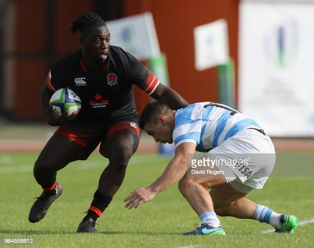 Gabriel Ibitoye of England runs with the ball during the World Rugby U20 Championship match between England and Argentina at Stade d'Honneur du Parc...