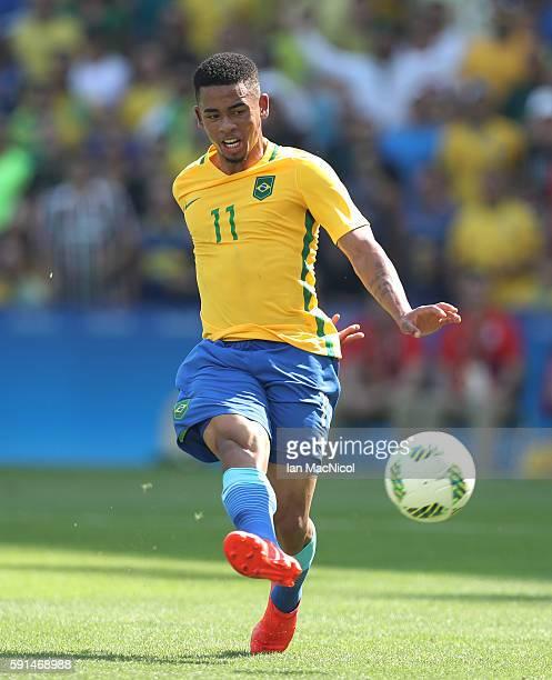 Gabriel Jesus of Brazil scores Brazil's third goal during the Semi Final match between Brazil and Honduras at Maracana Stadium on August 17 2016 in...