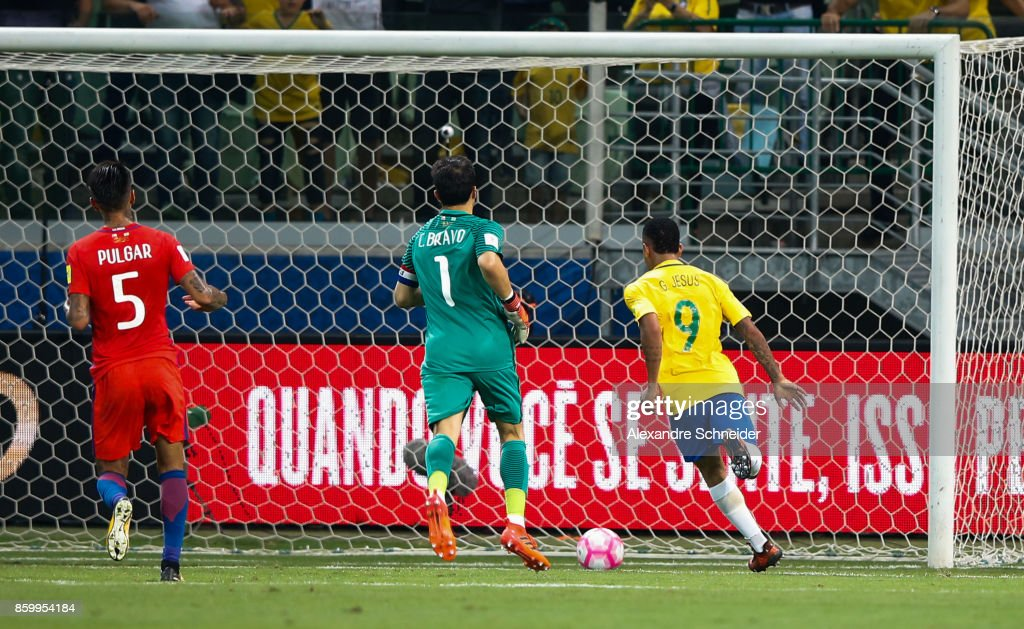 Gabriel Jesus of Brazil scores their thirth goal during the match between Brazil and Chile for the 2018 FIFA World Cup Russia Qualifier at Allianz Parque Stadium on October 10, 2017 in Sao Paulo, Brazil.