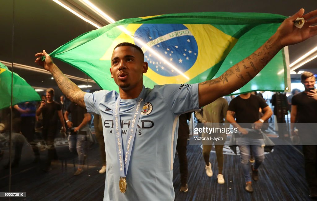 https://media.gettyimages.com/photos/gabriel-jesus-of-manchester-city-celebrates-in-the-tunnel-after-the-picture-id955373816