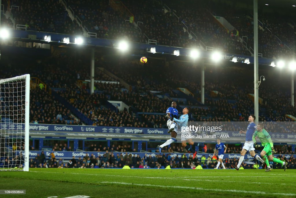 Everton FC v  Manchester City - Premier League : News Photo