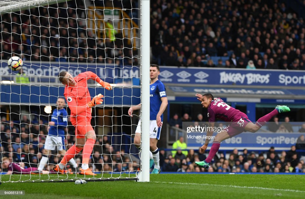 Gabriel Jesus of Manchester City scores his sides second goal during the Premier League match between Everton and Manchester City at Goodison Park on March 31, 2018 in Liverpool, England.