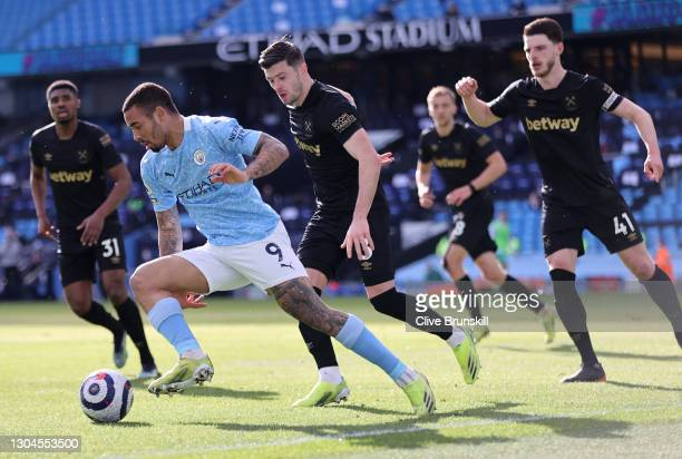 Gabriel Jesus of Manchester City under pressure from the West Ham United defense during the Premier League match between Manchester City and West Ham...