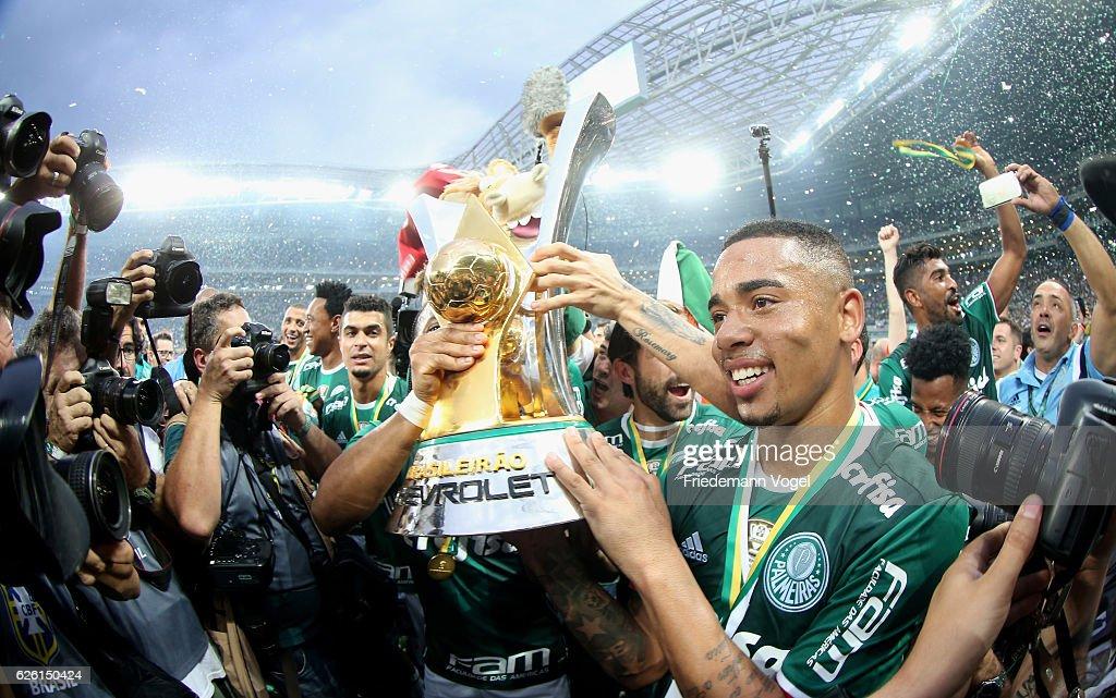Palmeiras v Chapecoense - Brasileirao Series A 2016 : News Photo