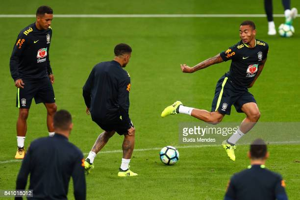 Gabriel Jesus takes part in a training session at the Arena do Gremio on August 30 2017 in Porto Alegre Brazil ahead of their 2018 FIFA World Cup...