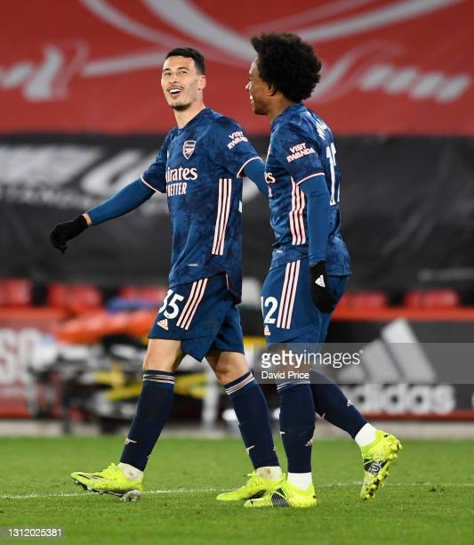Gabriel Martinelli celebrates scoring Arsenal's 2nd goal with Willian during the Premier League match between Sheffield United and Arsenal at Bramall...
