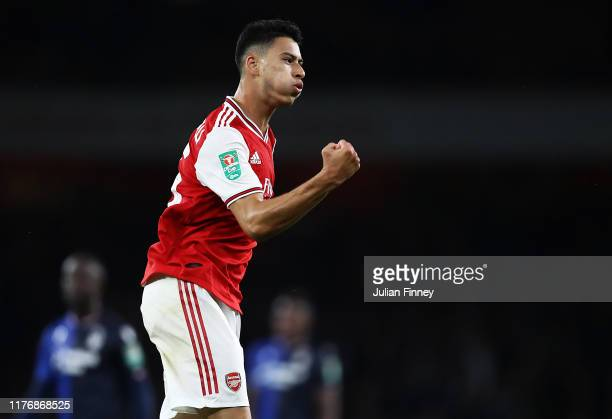 Gabriel Martinelli of Arsenal celebrates scoring the fifth goal during the Carabao Cup Third Round match between Arsenal and Nottingham Forest at...