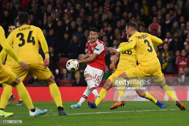 Gabriel Martinelli of Arsenal scores his team's second goal during the UEFA Europa League Group F match between Arsenal FC and Standard Liege at...