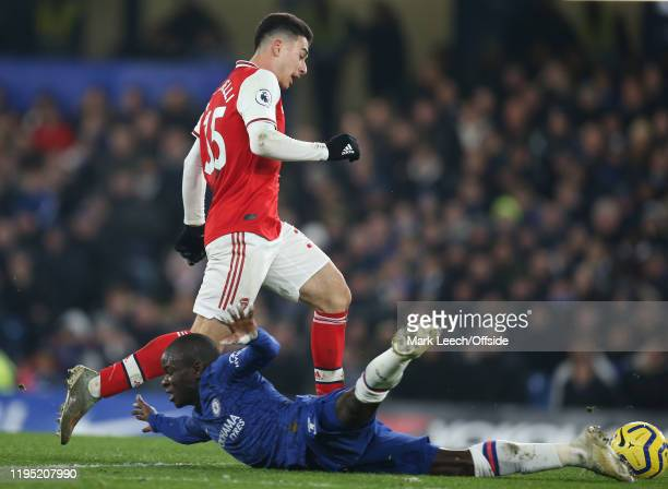Gabriel Martinelli of Arsenal takesadvantage of a slip by N'Golo Kante of Chelsea to run through and score the equalising goa during the Premier...
