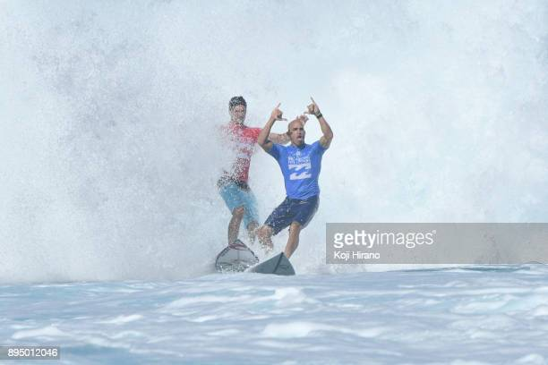 Gabriel Medina drop in and almost crashes into Kelly Slater in the 2017 Billabong Pipe Masters on December 18 2017 in Pupukea Hawaii