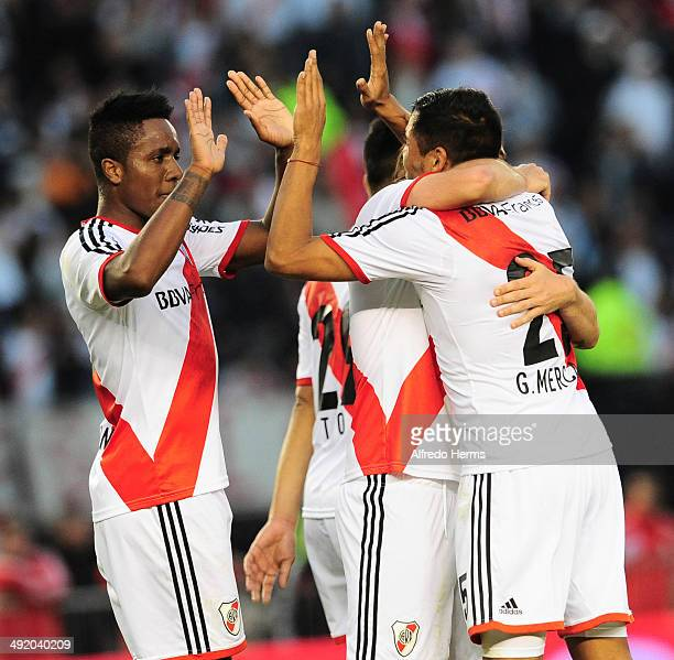 Gabriel Mercado and his temmates celebrate after scoring the third goal of his team during a match between River Plate and Quilmes as part of 19th...