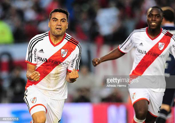 Gabriel Mercado celebrates after scoring the third goal of his team during a match between River Plate and Quilmes as part of 19th round of Torneo...