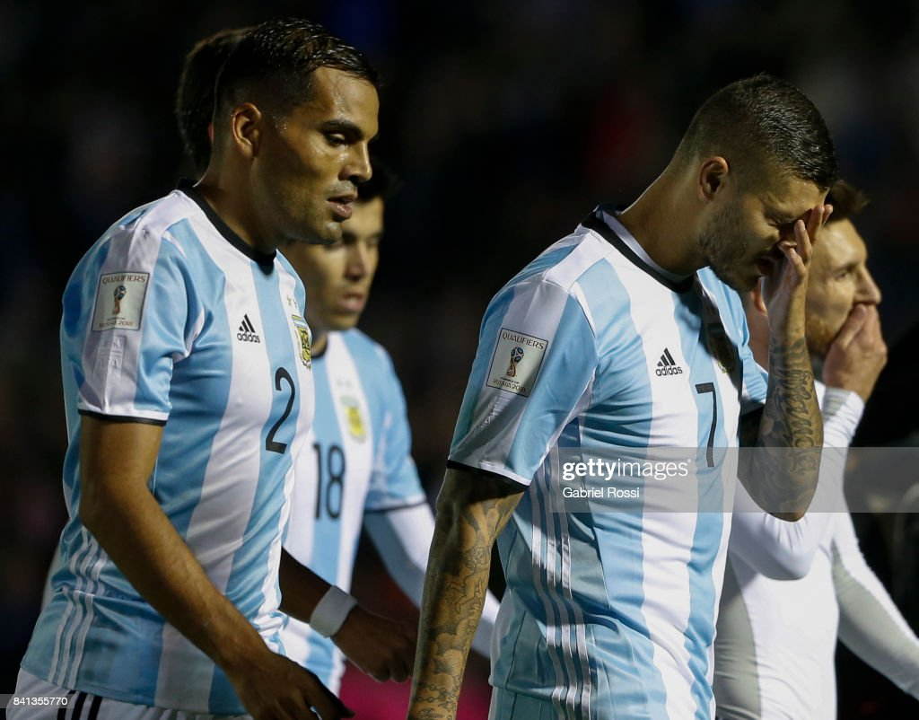 Gabriel Mercado, Mauro Icardi and Lionel Messi of Argentina look dejected as they leave the field at the end of the first half during a match between Uruguay and Argentina as part of FIFA 2018 World Cup Qualifiers at Centenario Stadium on August 31, 2017 in Montevideo, Uruguay.