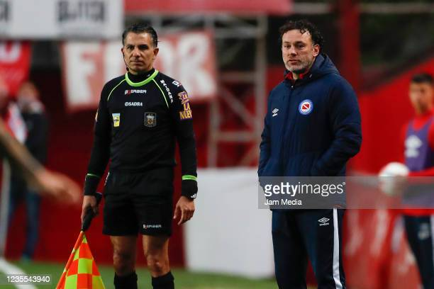 Gabriel Milito coach of Argentinos Juniors looks on during a match between Argentinos Juniors and Racing Club as part of Torneo Liga Profesional 2021...