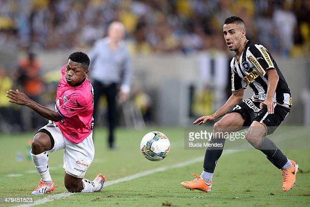 Gabriel of Botafogo battles for the ball against Jonathan Gonzalez of Independiente del Valle during a match between Botafogo and Independiente del...