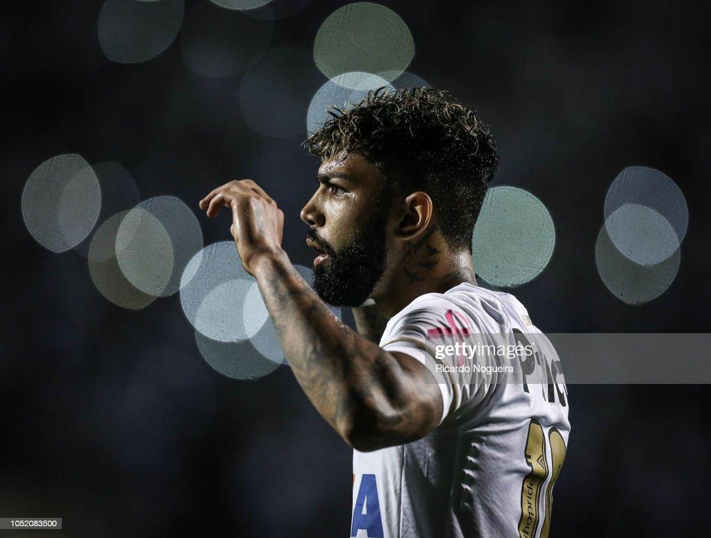 Santos v Corinthians - Brasileirao Series A 2018 : News Photo