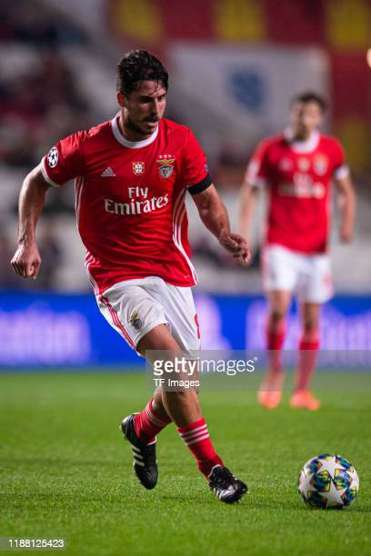 Gabriel of SL Benfica controls the ball during the UEFA Champions League group G match between SL Benfica and Zenit St Petersburg at Estadio da Luz...