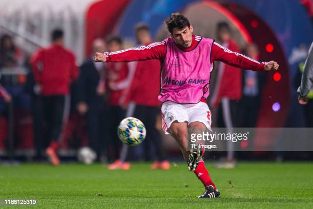 Gabriel of SL Benfica warms up during the UEFA Champions League group G match between SL Benfica and Zenit St Petersburg at Estadio da Luz on...