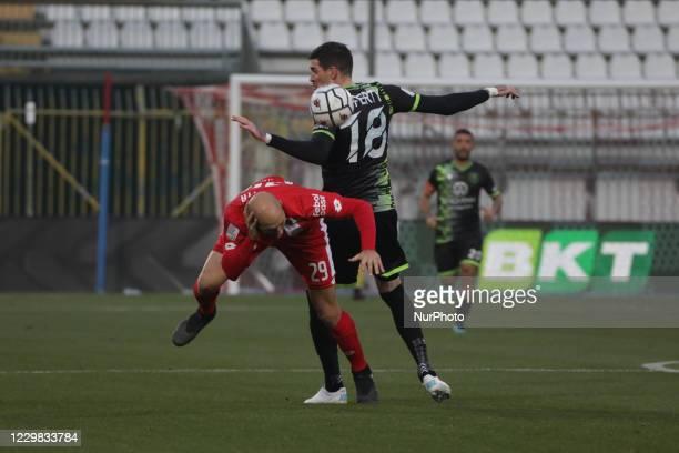 Gabriel Paletta of Monza Calcio and Lorenzo Crisetig of Reggina during the Match between Monza and Reggina for Serie B at U-Power Stadium in Monza,...