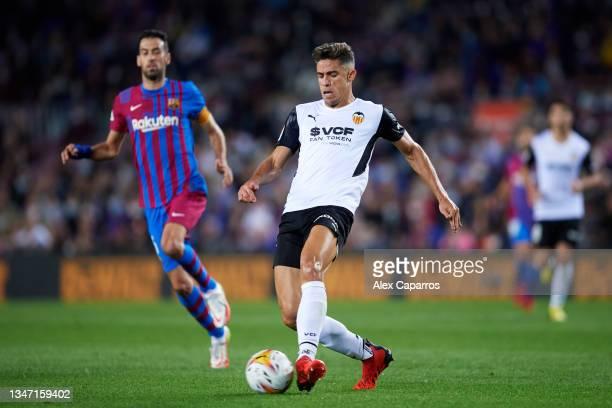Gabriel Paulista of Valencia CF passes the ball during the LaLiga Santander match between FC Barcelona and Valencia CF at Camp Nou on October 17,...