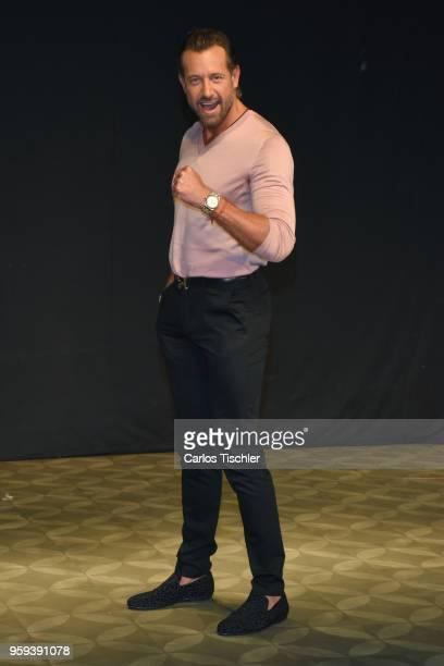 Gabriel Soto poses for photos during a press conference to promote Una Pareja de Tres at 11 de Julio Theatre on May 15 2018 in Mexico City Mexico