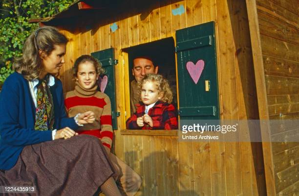 Gabriela Princess of Sayn Wittgenstein Sayn with her husband Alexander and their daughters Alexandra and Filippa at Sayn Germany 1983