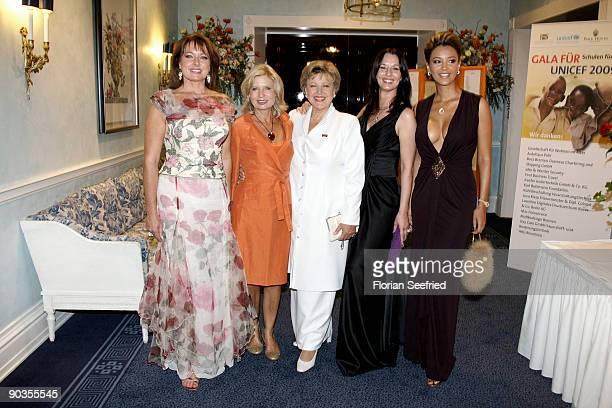 Gabriele Pauli actress Susanne Postel MarieLuise Marjan Anja Lukaseder and TV host Verona Pooth attend the 'UNICEFGala' at Park Hotel on September 5...