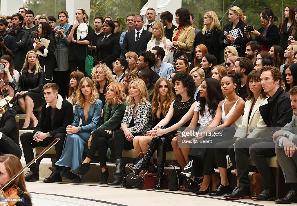 Burberry Womenswear Spring/Summer 2016 - Front Row & Runway : News Photo