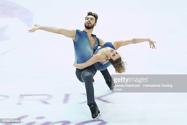 Gabriella Papadakis and Guillaume Cizeron of France compete during Senior Ice Dance Free Dance on day three of the ISU Junior and Senior Grand Prix...