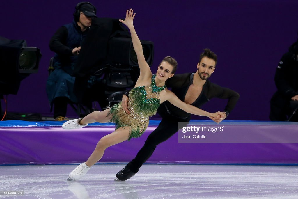 https://media.gettyimages.com/photos/gabriella-papadakis-and-guillaume-cizeron-of-france-during-the-figure-picture-id920389774
